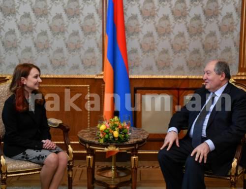 Արմեն Սարգսյանը հանդիպել է ԱԺ «Իմ քայլը» խմբակցության ղեկավարի և քարտուղարի հետ