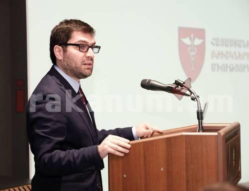 Հայաստանի բժիշկների միությունը կպաշտպանի բժիշկներին