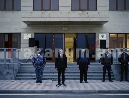 Վալերիյ Օսիպյանը կրկին ճանապարհել ու դիմավորել է սահմանապահ ոստիկաններին