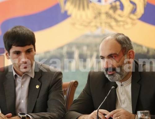 Գարիկ Սարգսյանը տապալեց, տեղակալներն՝ ազատվեցին