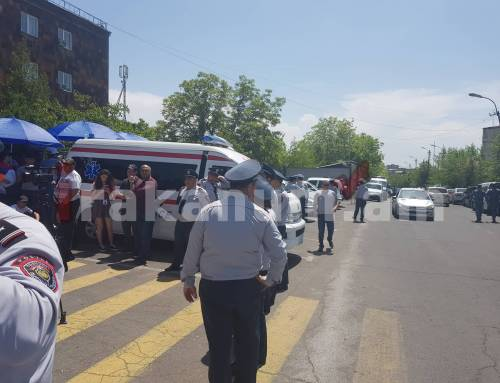 Ոստիկանական խմբեր են կուտակվում Քոչարյանի գործը քննող դատարանի մոտ. բողոքի ակցիաներ են նախապատրաստվում