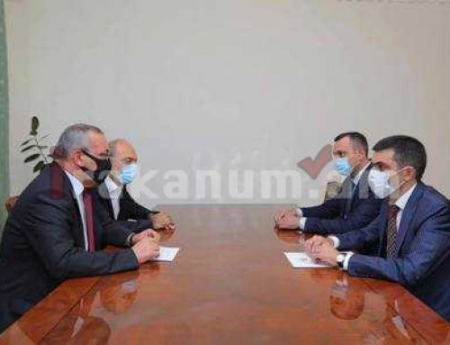 ԱՀ Ազգային ժողովի նախագահ Արթուր Թովմասյանը հանդիպել է ՀՀ-ում ԱՀ մշտական ներկայացուցիչ Սերգեյ Ղազարյանի հետ