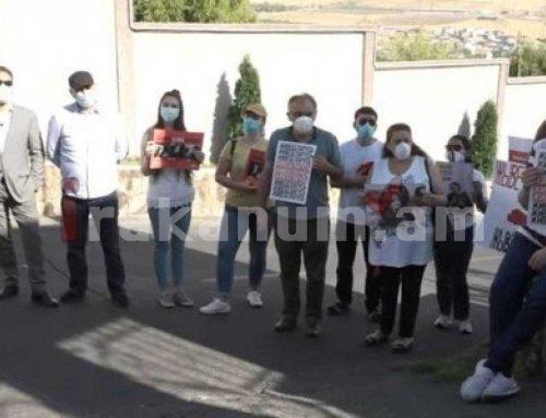 Պահանջում ենք ազատ արձակել Բելառուսում ձերբակալված քաղակտիվիստներին. Բողոքի ակցիա Բելառուսի դեսպանատան մոտ