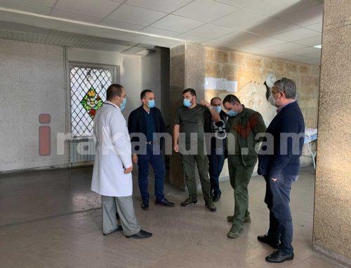 Նախարարն այցելել է վիրավորների բուժմամբ զբաղվող բժշկական կենտրոններ