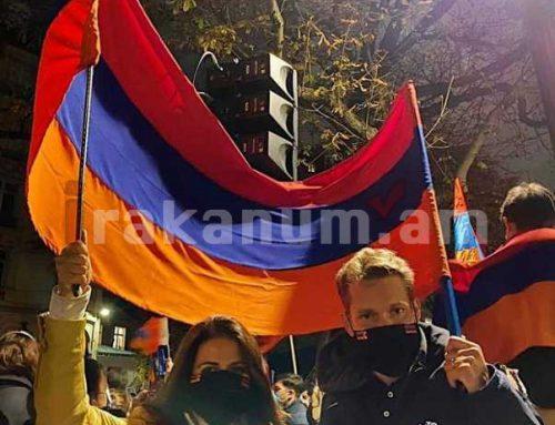 Նիկոլա եւ Քրիստինա Ազնավուրները Փարիզում մասնակցել են Արցախի ճանաչումն ու ինքնորոշման իրավունքը պահանջող ցույցին