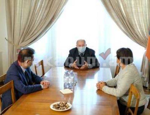 ՀՀ նախագահը հանդիպել է Ֆրանսիայի հայկական կազմակերպությունների ղեկավարների հետ
