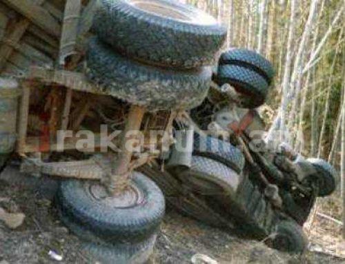Երեւան-Մեղրի ավտոճանապարհին բեռնատարը գլորվել է ձորը․ ավտոմեքենայի տակ հայտնաբերվել է վարորդի դին. Կա վիրավոր