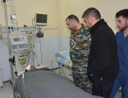 Արցախի ԱԻՊԾ տնօրենն այցելել է այսօր ականի պայթյունից տուժած ծառայակիցներին