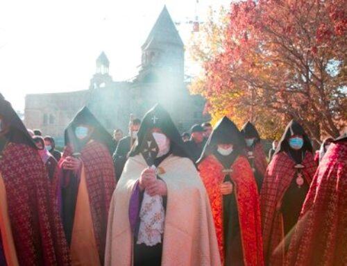 Մայր Աթոռ Սուրբ Էջմիածնում նշվեց հայոց առաջին լուսավորիչների տոնը. դուրս բերվեց Սուրբ Գեղարդը