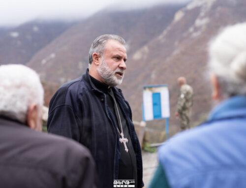 Կիրակի օրերին Ստեփանակերտից դեպի Դադիվանք ավտոբուս է գնում՝ խաղաղապահների ուղեկցությամբ, և հոգևոր հայրերը հերթափոխով ծառայություն են մատուցում. Տեր Հովհաննես