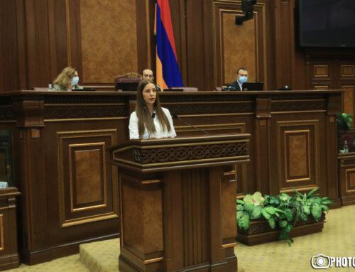 Տիգրան Կարապետյանի մանդատը փոխանցվեց «Իմ քայլը» լքած Աննա Գրիգորյանին