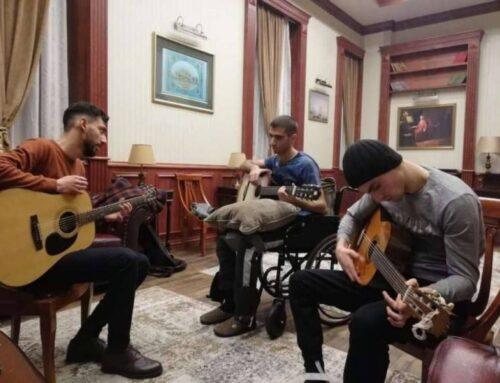 «Զինվորի տանը տղաները կիթառ նվագել են սովորում». ԵՊԲՀ ռեկտորը լուսանկար է հրապարակել