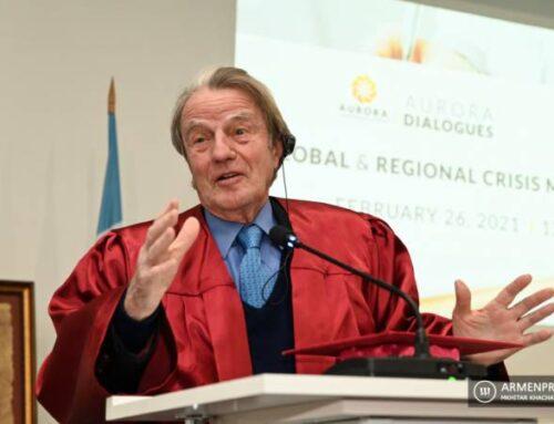 Արցախ այցելած Ֆրանսիայի նախկին արտգործնախարար Բեռնարդ Քուշները կիսվել է տպավորություններով