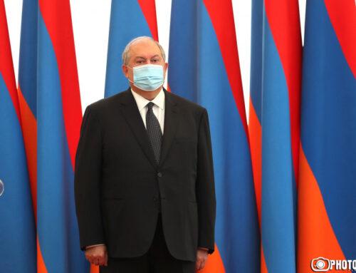 Արմեն Սարգսյանը վերադարձրել է Օնիկ Գասպարյանին ԳՇ պետի պաշտոնից ազատելու հրամանագրի նախագիծը