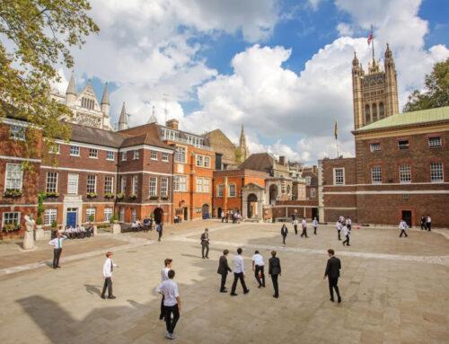 2 ամիս հեռավար ձևաչափով սովորելուց հետո անգլիացի երեխաներն այսօր վերադարձել են դպրոց