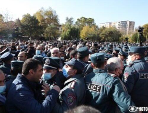 «Ժողովուրդ»․ Ոստիկաններն այս տարի կայացած ցույցերին ակտիվ մասնակցություն ունենալու համար 2 անգամ պարգեւավճար են ստացել