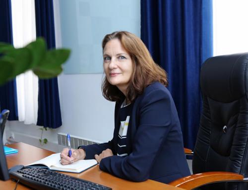 ՀՀ կառավարության կողմից որոշում է կայացվել դադարեցնել Քլարկ-Հաթթինգի պաշտոնավարումը որպես ՀՀ-ում UNICEF ներկայացուցիչ