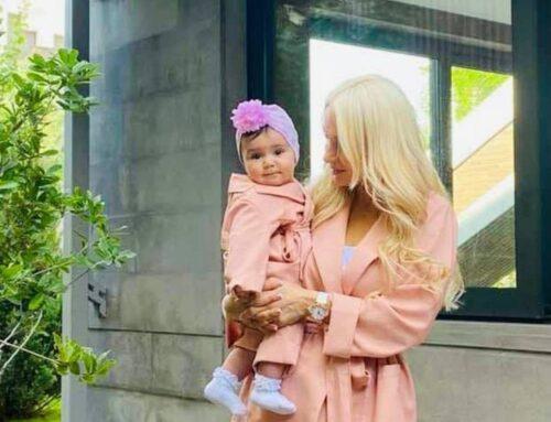 Արթուր Վանեցյանի կինը նոր լուսանկար է հրապարակել փոքրիկ դստեր հետ