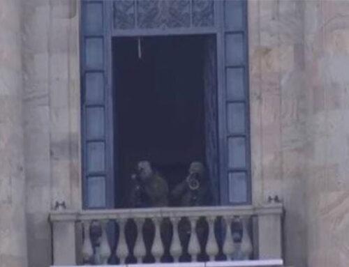 Դիպուկահարներն ԱԺ շենքում են, ոստիկանական մեծ ուժերը՝ Բաղրամյան պողոտայում