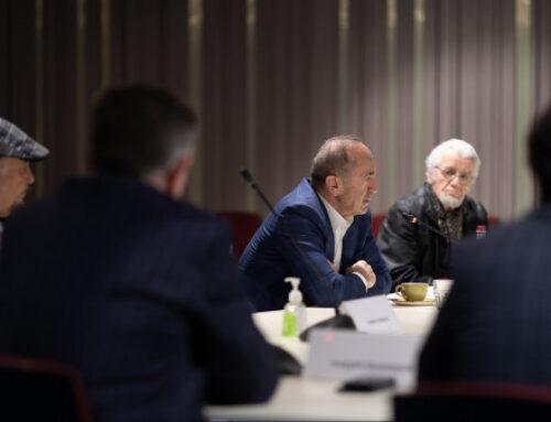 Ռոբերտ Քոչարյանը հանդիպել է ՄԻՏՔ Ազգային Խորհուրդ ՀԿ ներկայացուցիչ մտավորականների հետ