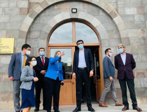 ԱՄՆ դեսպանը հանդիպել է Սյունիքի մարզպետի եւ համայնքապետերի հետ