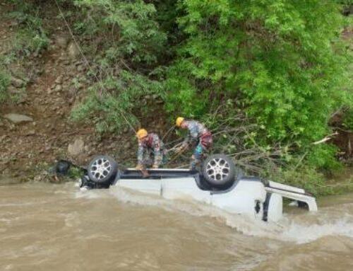 Ստեփանակերտ-Ասկերան ճանապարհին ավտոմեքենան գլորվել է ձորը, հայտնվել գետում