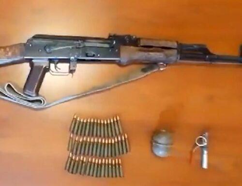 Զենք-զինամթերքը բերել, թողել էր Քարահունջ բնակավայրի ցուցանակի տակ ու զանգել ոստիկաններին