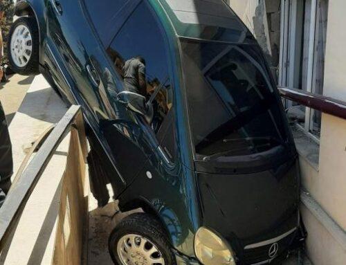 Ստեփանակերտի բնակչուհին բախվել է հանդիպակաց ընթացող մեքենային, այնուհետև՝ բնակել շենքին