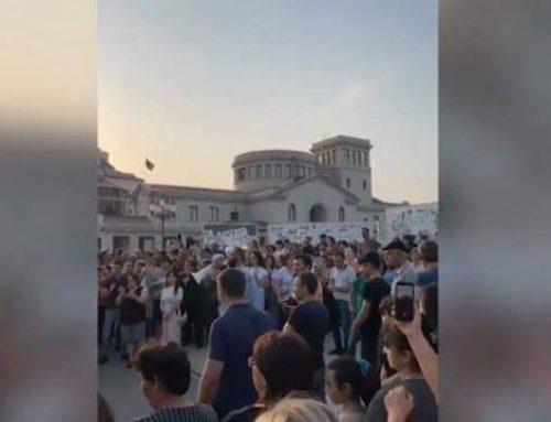 Լարված իրավիճակ Արցախում. փորձել են կոտրել նախագահականի դուռը