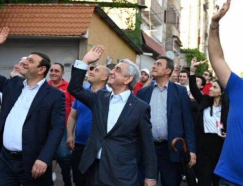 Դե հիմա տես, թե ինչպես են այս մարդիկ ազատ շրջում փողոցներում, դու չես կարող նույնիսկ 3 մետր այսպես հանգիստ քայլել փողոցում, կապիտուլյանտ. Արսեն Բաբայան