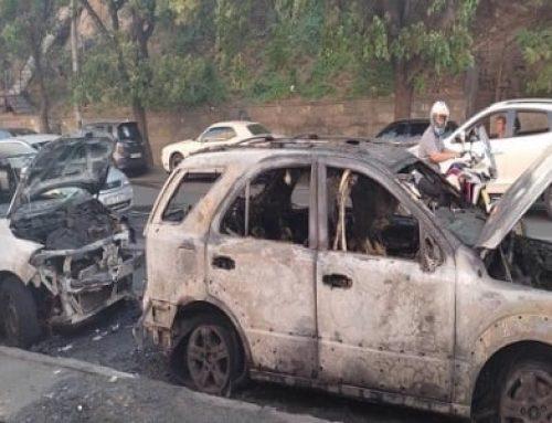 Սարյան փողոցում այրվել է երկու ավտոմեքենա. տուժածներ չկան