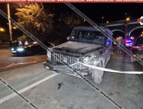 Mercedes G-ն «Բելաջիո» ռեստորանի մոտ դուրս է եկել հանդիպակաց գոտի ու բախվել 3 մեքենայի. երիտասարդը վիրավորական արտահայտություններ է արել պարեկների հասցեին. shamshyan.com