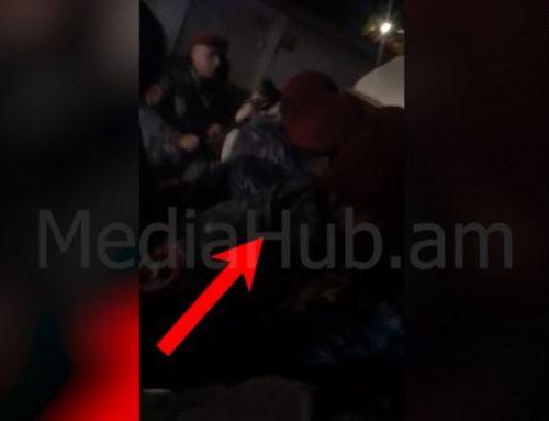 Ինչպես է ոստիկանը հարվածում քաղաքացուն. իրավիճակը 7-րդ Մասիվում լարվեց