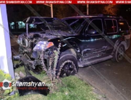 Երևանում բախվել են «KIA»-ն ու «Nissan X-Trail»-ը. վերջինս բախվել է գովազդային վահանակին