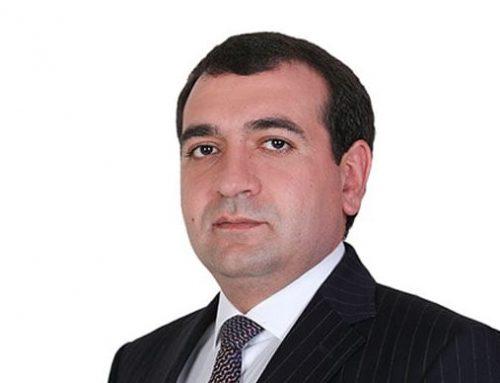 Գյումրիում ՔՊ-ի թեկնածուն պահանջում է Շիրակի մարզպետի հրաժարականը